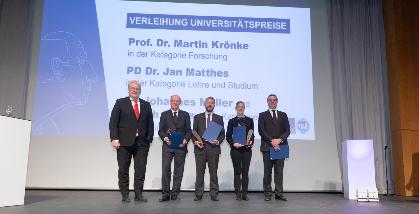 Group Picture of the winners of university prize with the rector of the university of cologne