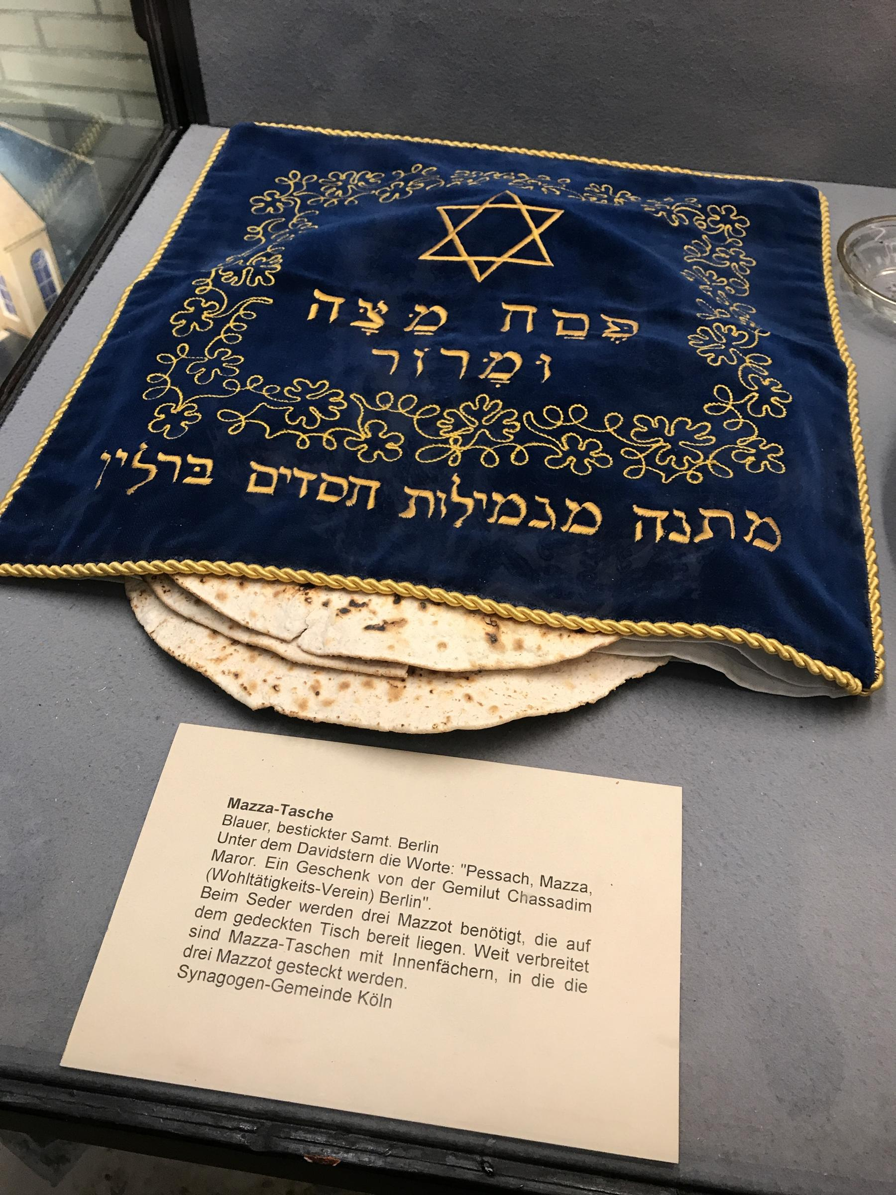 "Blue velvet with golden embroidery ""Mazza-bag"" in the synagogue of Cologne"